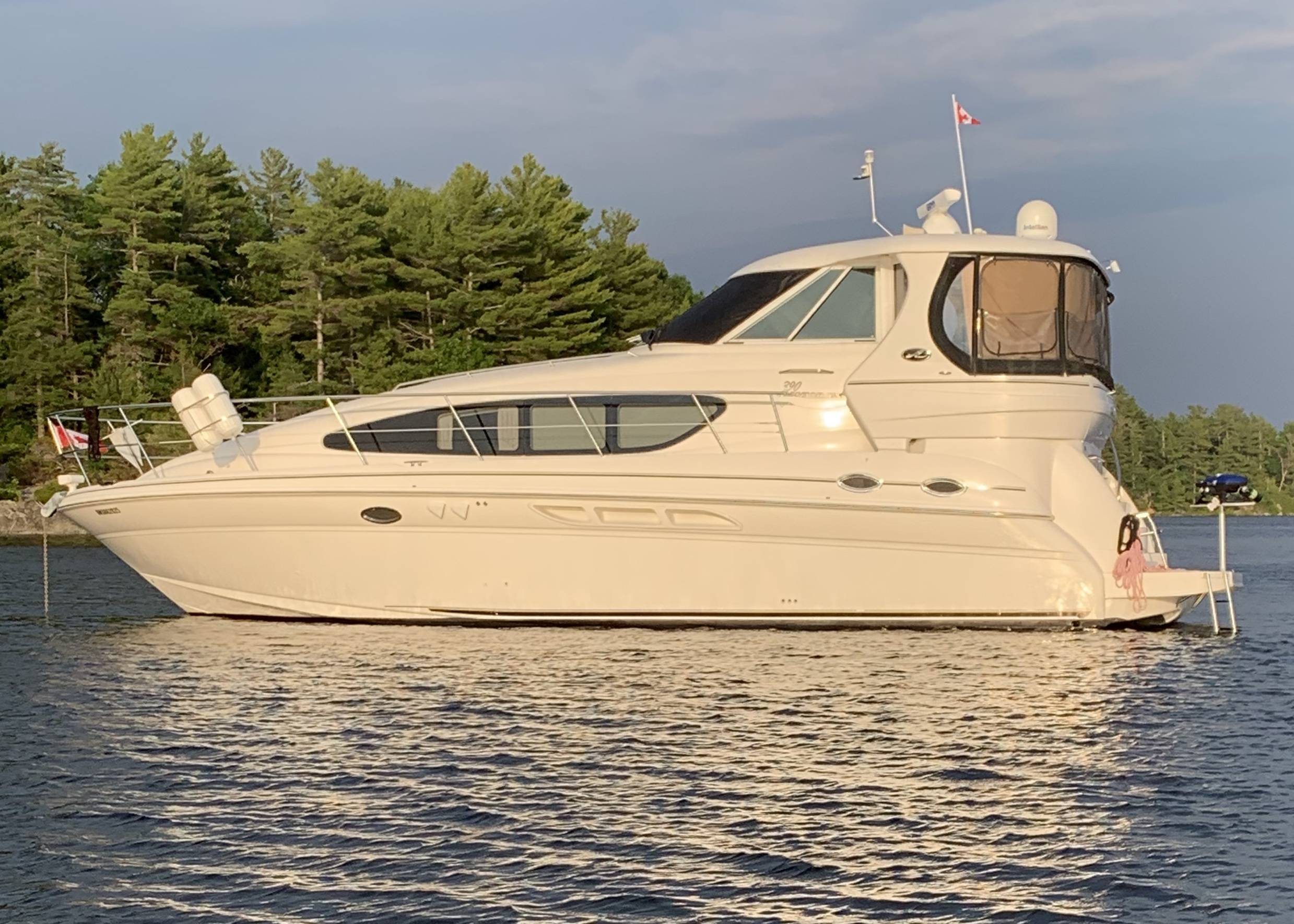 Pre-Owned 2003 SEA RAY 390 MOTOR YACHT
