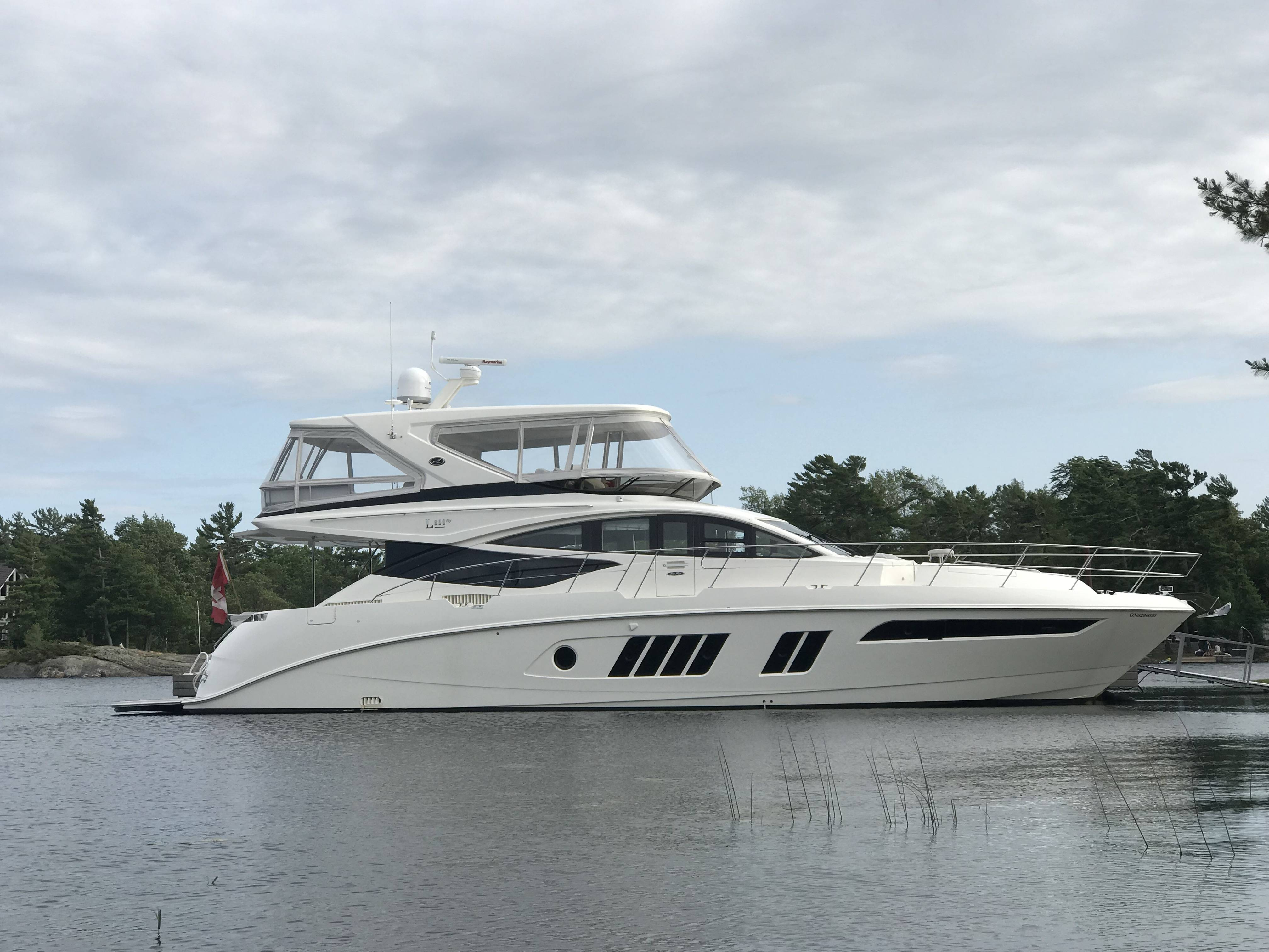 Pre-Owned 2019 SEA RAY 650 FLY BRIDGE