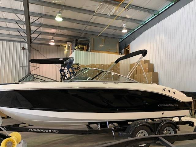 New 2020 CHAPARRAL 21 SSI SKI & FISH