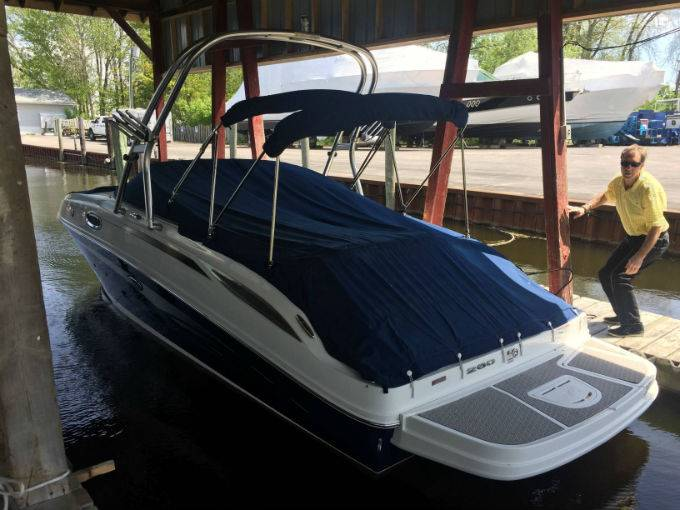Pre-Owned 2011 SEA RAY 260 SUNDECK