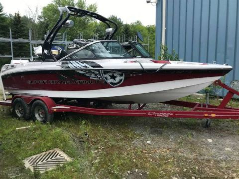 Pre-Owned 2010 NAUTIQUE 210