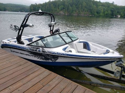 Pre-Owned 2011 NAUTIQUE 210