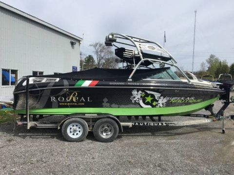 Pre-Owned 2006 NAUTIQUE 220 TEAM