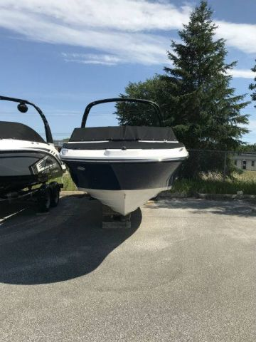 New 2018 SEA RAY SPX 230