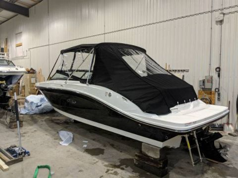 New 2018 SEA RAY 230 SPX